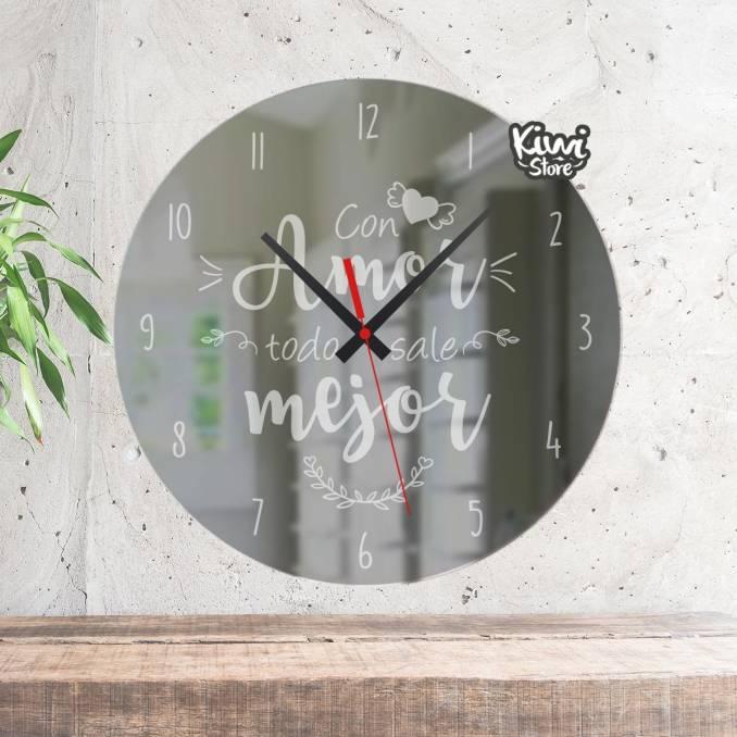 """Reloj """"Con amor todo es mejor"""""""