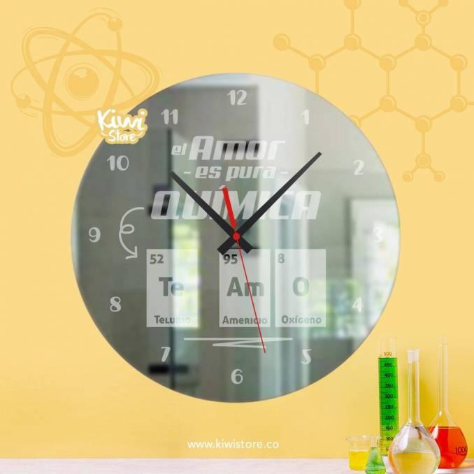 "Reloj ""Pura química"""
